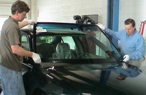 Accu~1~Glass | Auto Glass Replacement/Repair Services